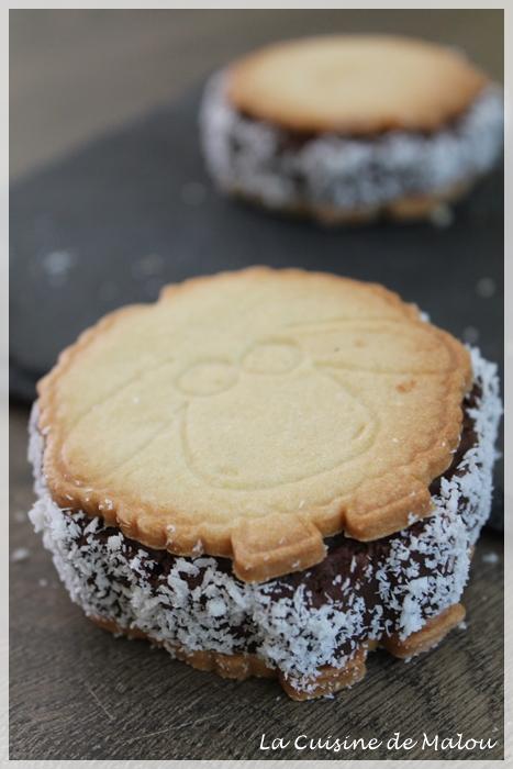 biscuits-fourrés-chocolat-coeur-coco