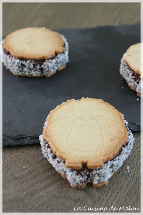 recette-biscuits-sandwich-chocolat-coco