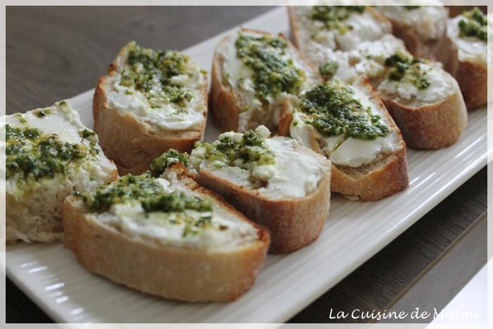 recette-tartine-chaude-fromage-chèvre-pesto