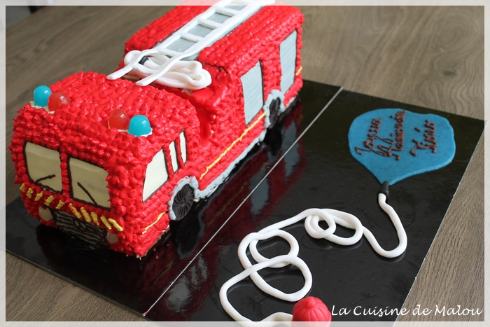 firetruck-birthday-cake-tutoriel